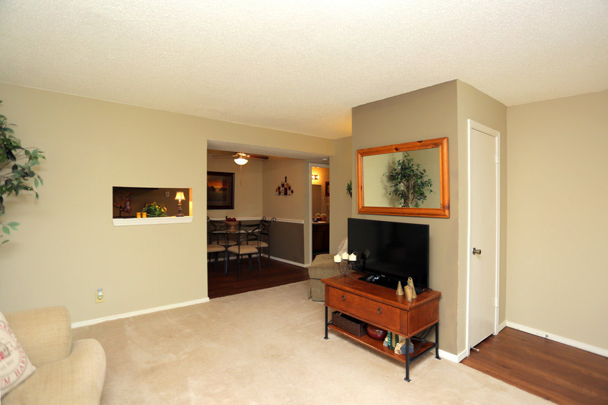 Plush Carpeting at Rustic Woods Apartments in Tulsa, Oklahoma