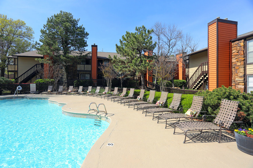 Expansive Sun Deck at Rustic Woods Apartments in Tulsa, Oklahoma