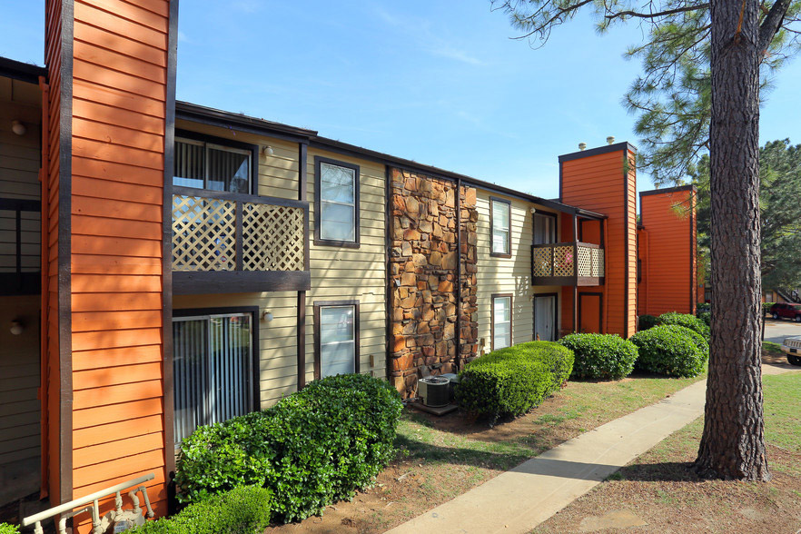 Tulsa Apartment Rentals at Rustic Woods Apartments in Tulsa, Oklahoma