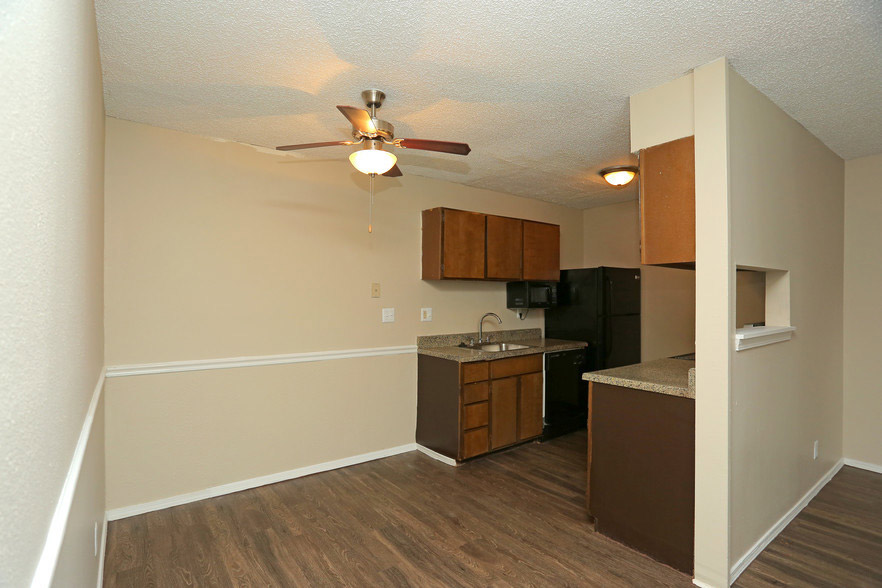 Ceiling Fans at Rustic Woods Apartments in Tulsa, Oklahoma
