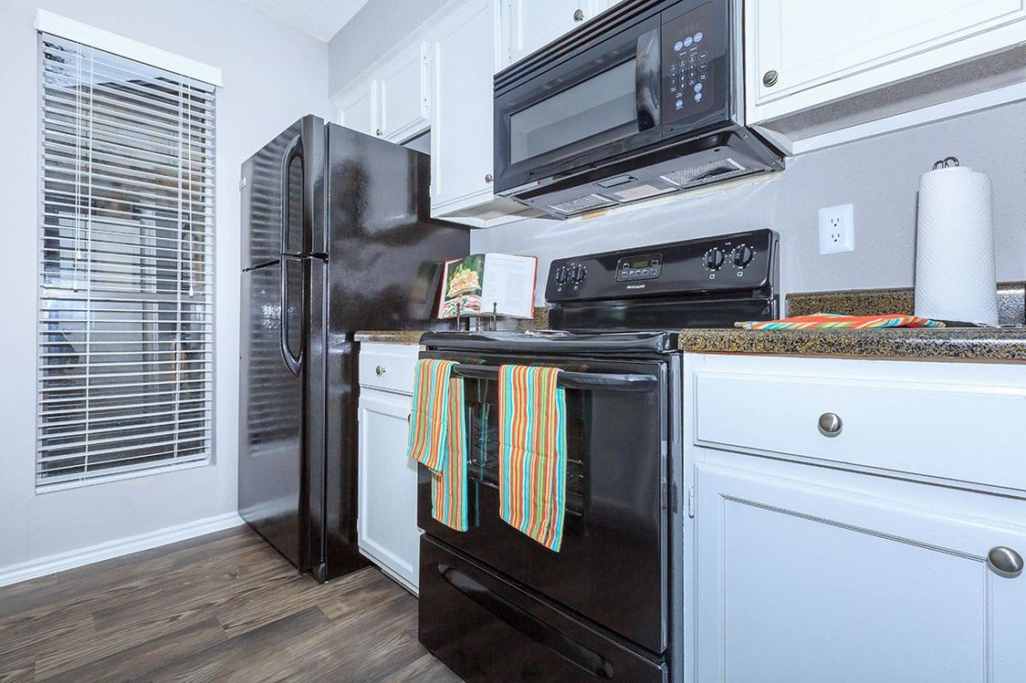 Stainless Steel Appliances at Salado Crossing Apartment Homes in San Antonio, TX
