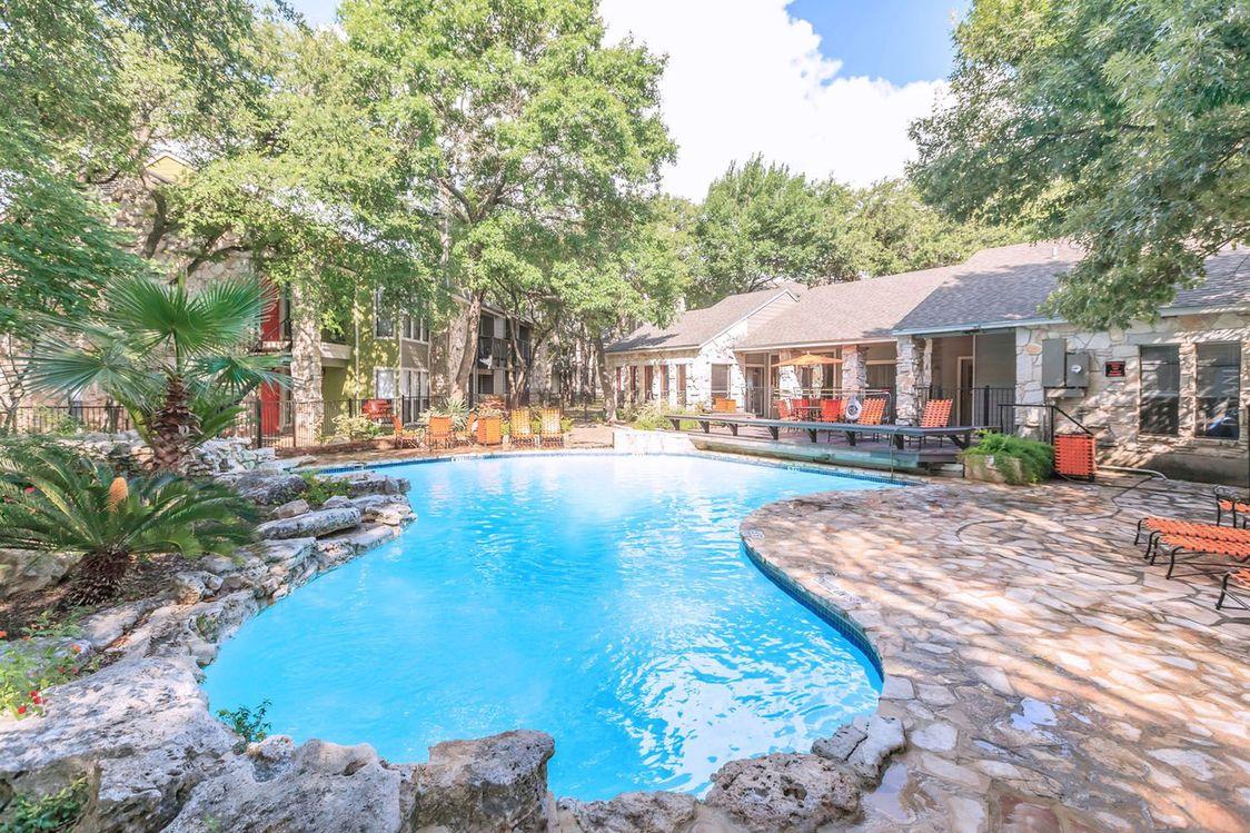 Poolside Lounge Area at Salado Crossing Apartment Homes in San Antonio, TX