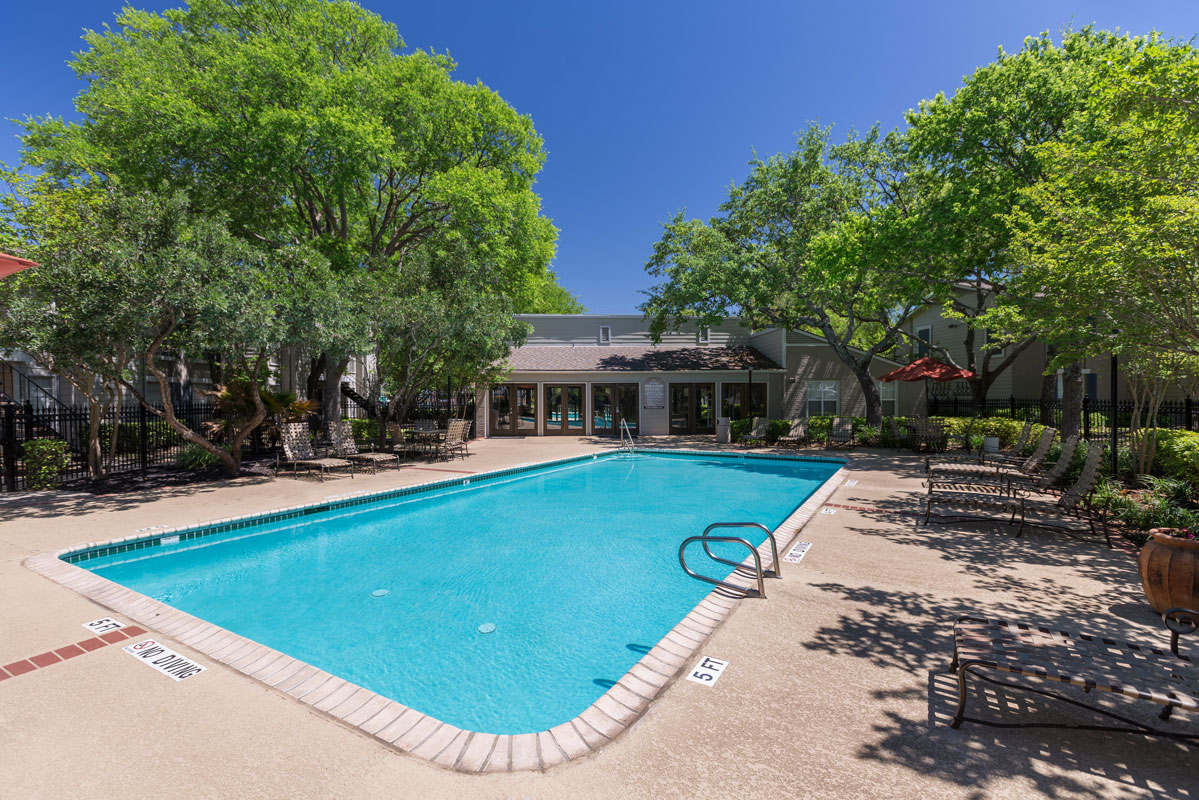 Sparkling Pool at Sapphire Apartments in San Antonio, Texas