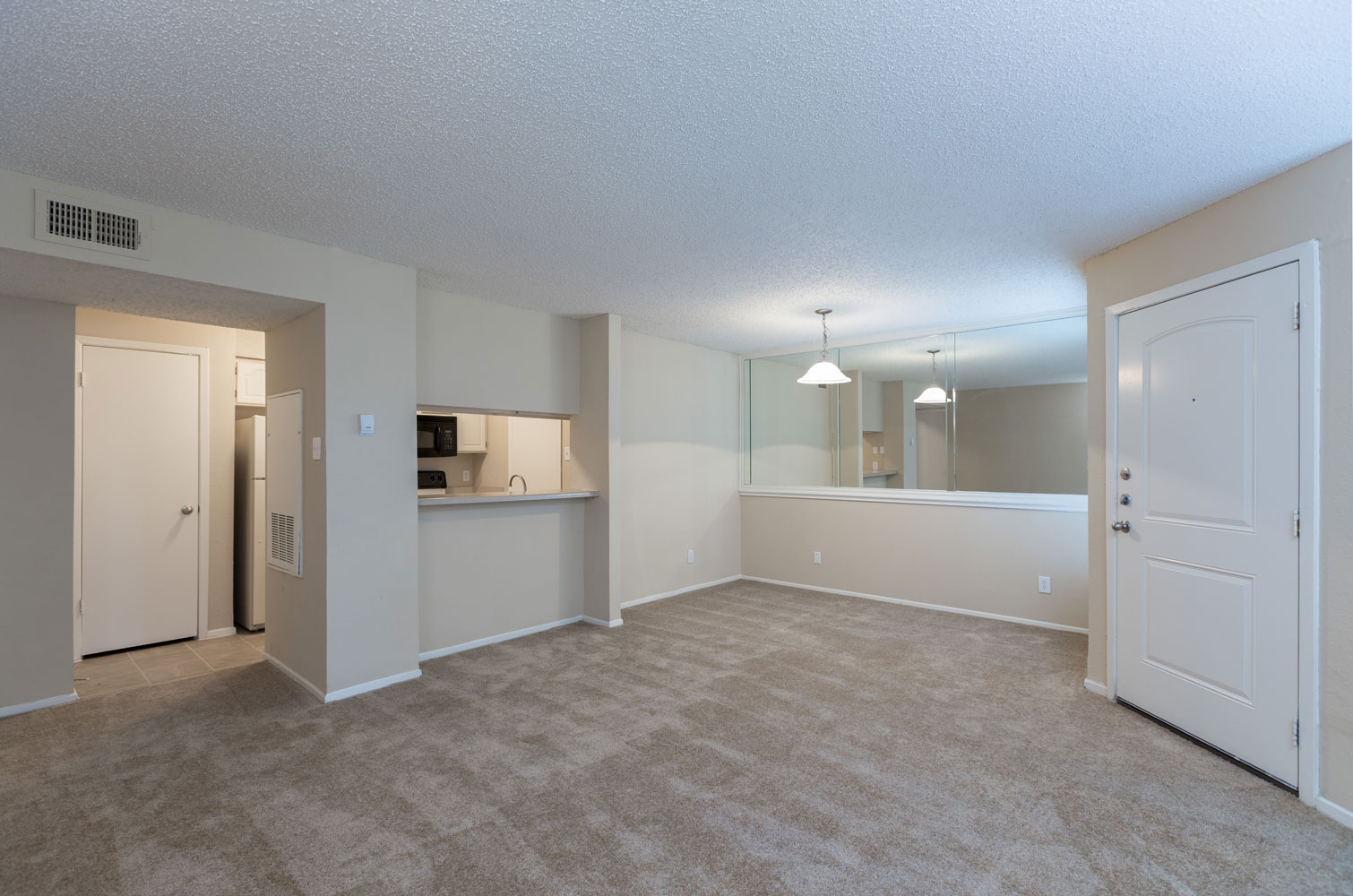 One and Two-Bedroom Homes at Sapphire Apartments in San Antonio, Texas