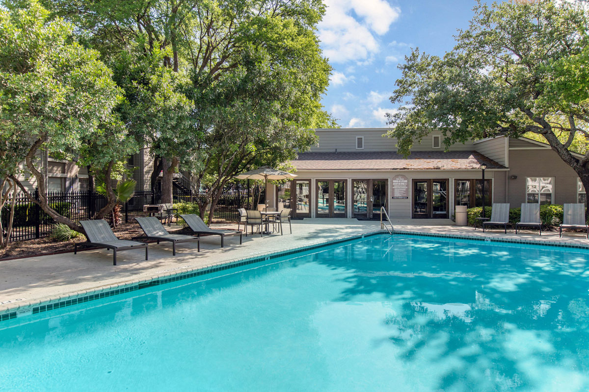 Resort-Style Pool at Sapphire Apartments in San Antonio, Texas