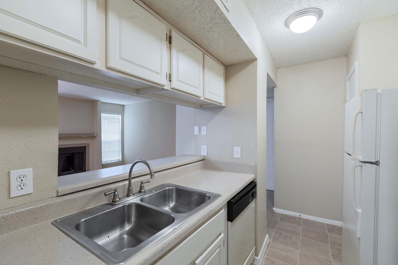 White Kitchen Appliances at Sapphire Apartments in San Antonio, Texas
