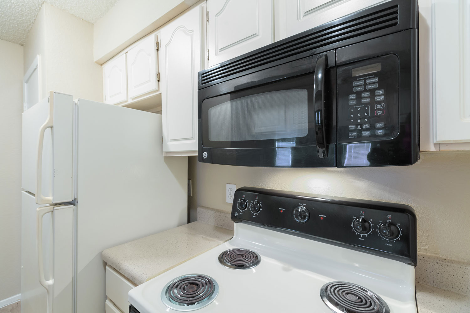 Oven and Microwave at Sapphire Apartments in San Antonio, Texas