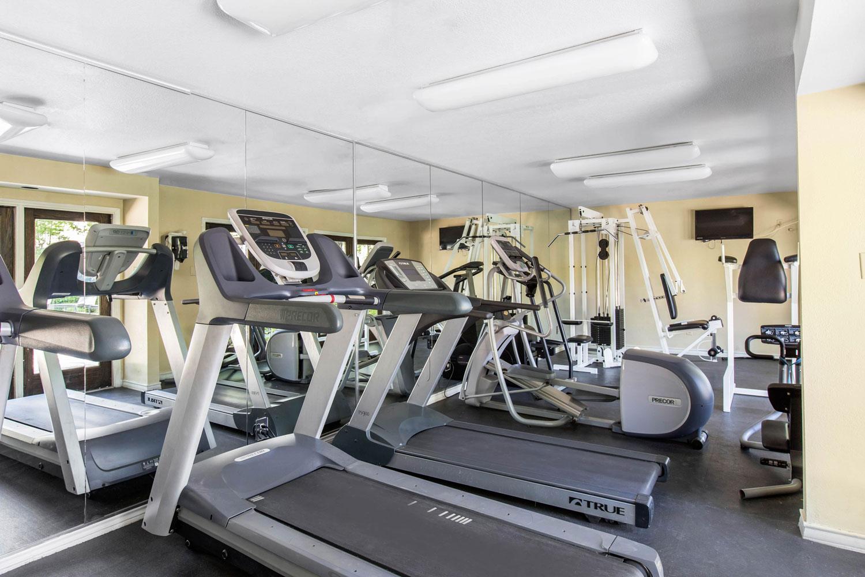 Treadmills at Sapphire Apartments in San Antonio, Texas