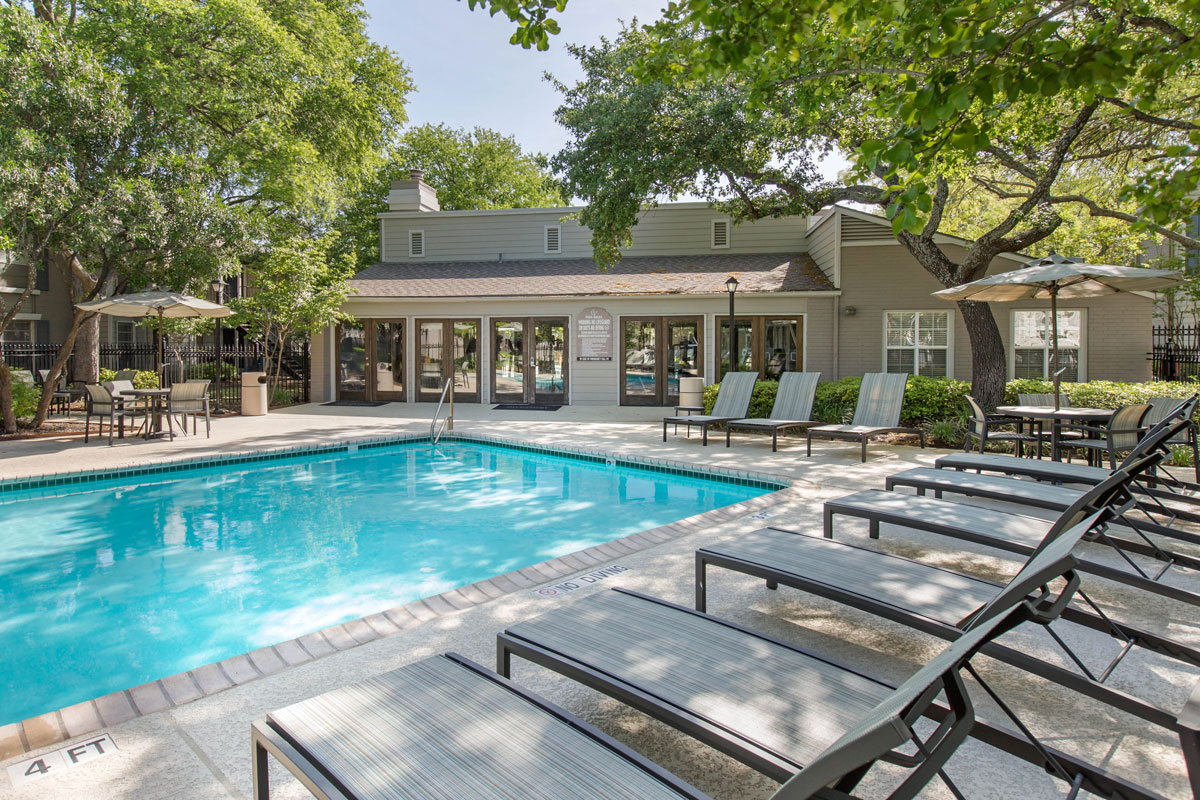 Two Swimming Pools at Sapphire Apartments in San Antonio, Texas