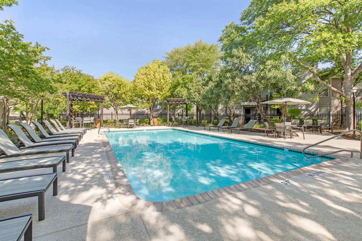 Beautiful Pool at Sapphire Apartments in San Antonio, Texas