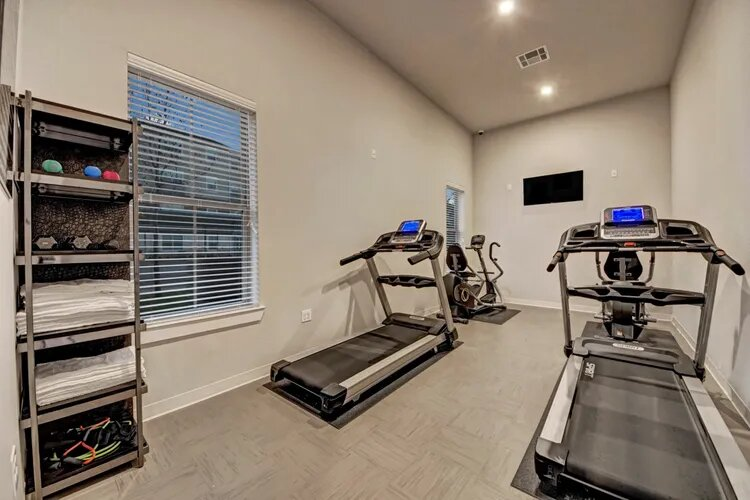Fitness Center at The Savannah at Gateway Apartments in Plano, Texas