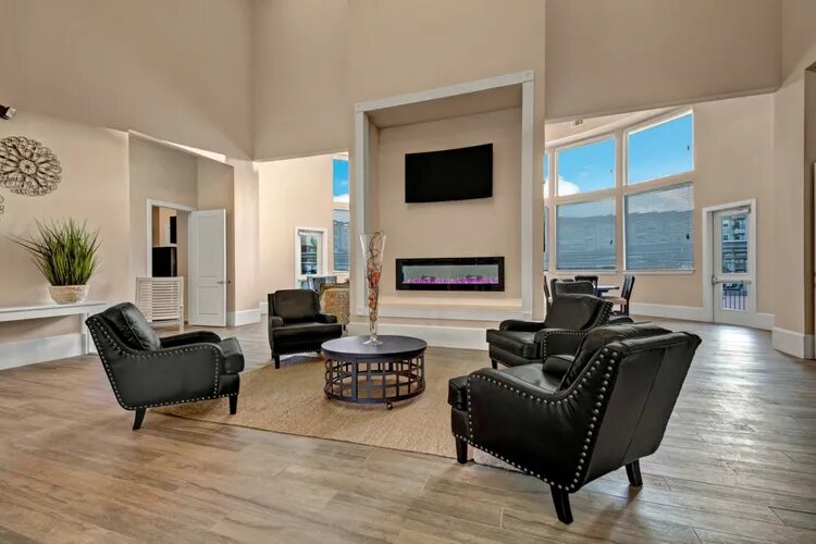 Cozy Community Lounge at The Savannah at Gateway Apartments in Plano, Texas