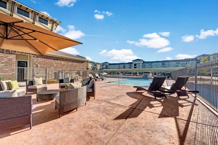 Premium Amenities at The Savannah at Gateway Apartments in Plano, Texas