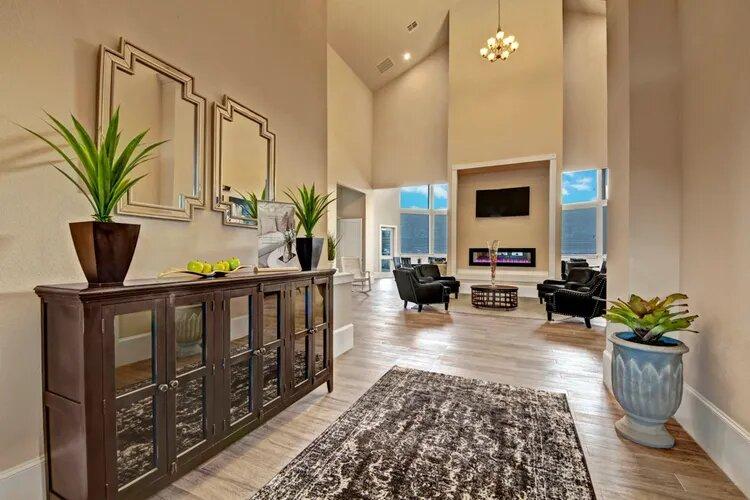 Pet-Friendly Apartments at The Savannah at Gateway Apartments in Plano, Texas