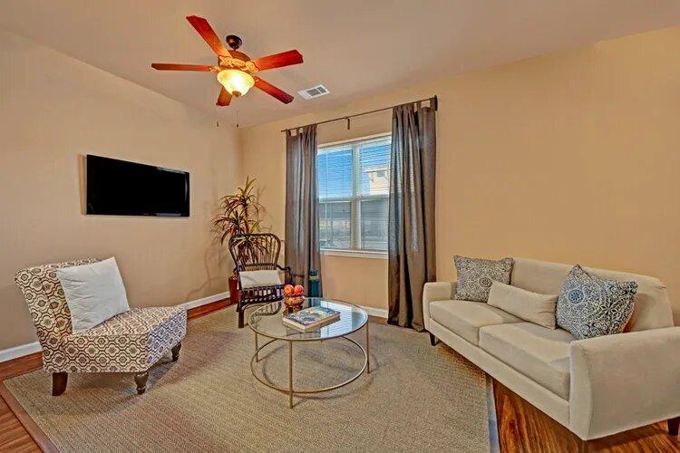 Upscale Senior Apartments at The Savannah at Gateway Apartments in Plano, Texas