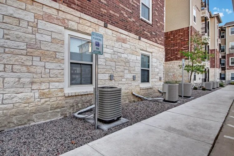Handicapped Parking Options at The Savannah at Gateway Apartments in Plano, Texas
