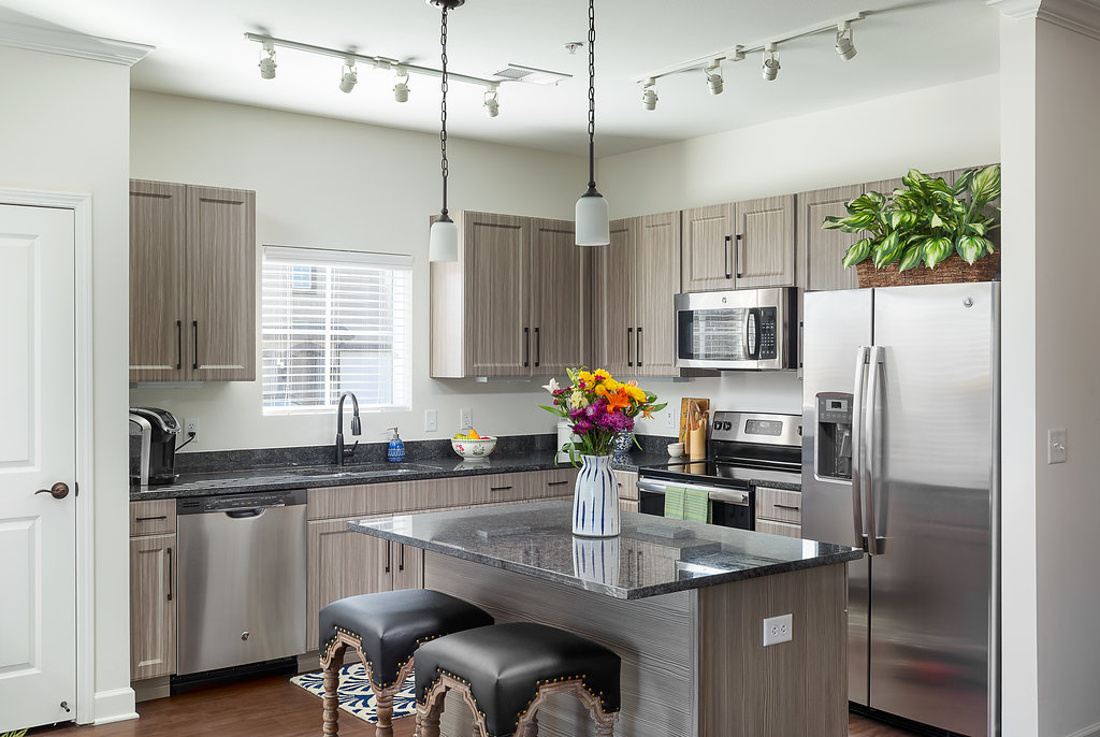 Stainless Steel Appliances at Savannah West Apartments in Kansas City, MO