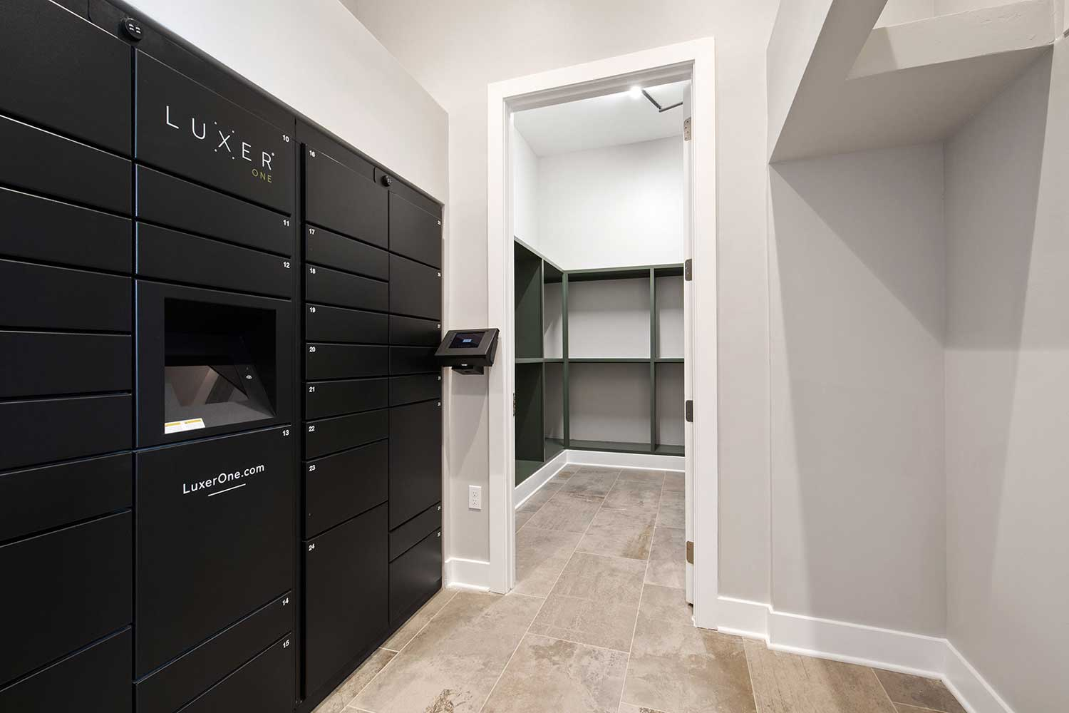24/7 Package Lockers at Sawgrass Point in Gonzales, Louisiana