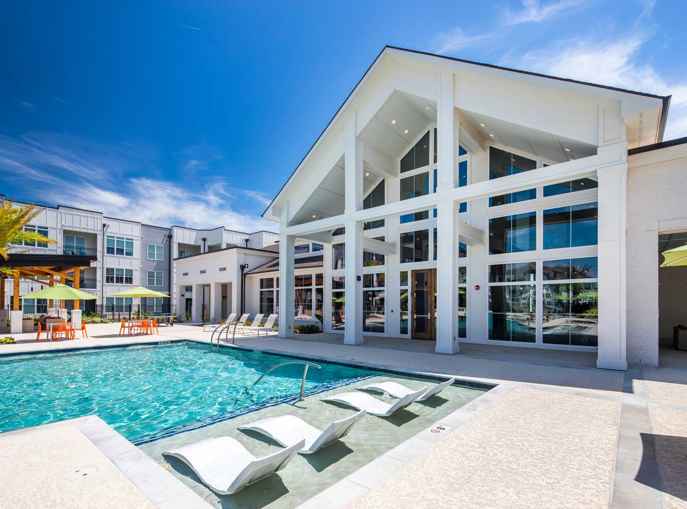 Resort Style Pool at Sawgrass Point in Gonzales, Louisiana