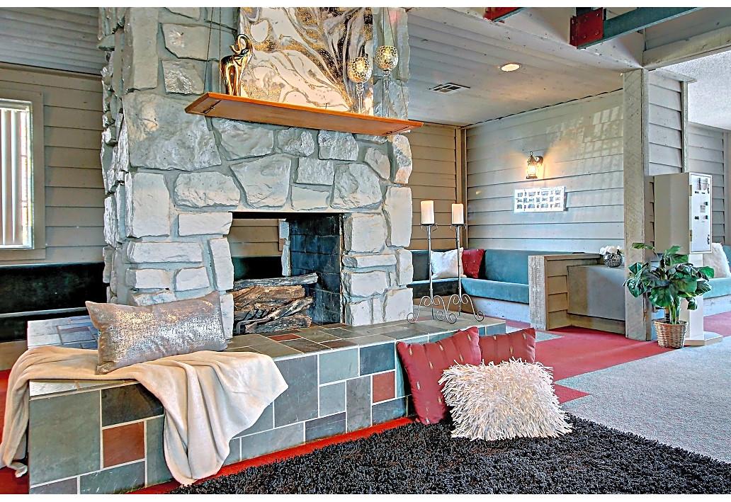 Stylish Interiors at Sawmill Apartments in Tulsa, Oklahoma