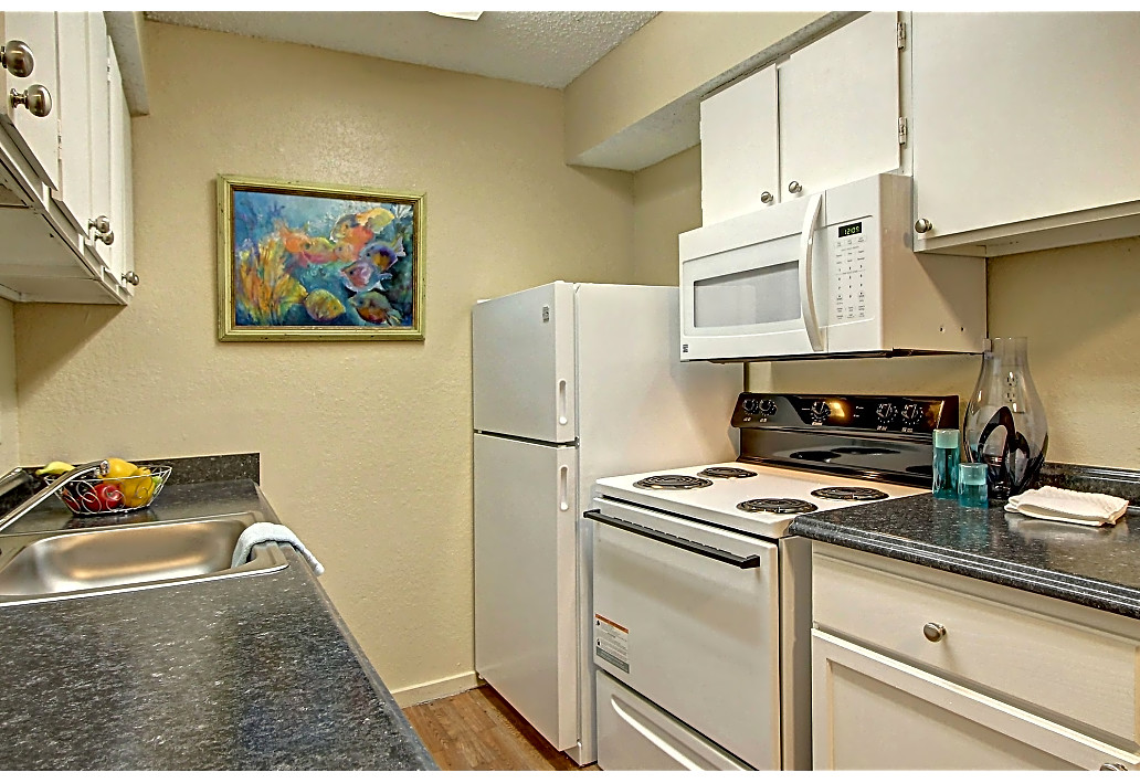 Fully Equipped Kitchens at Sawmill Apartments in Tulsa, Oklahoma