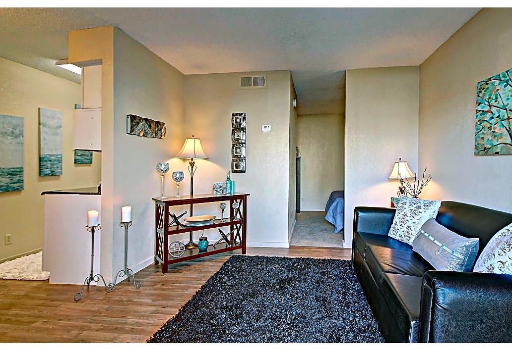 Pet Friendly Apartments at Sawmill Apartments in Tulsa, Oklahoma