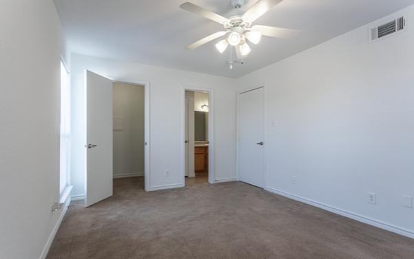 Carpeted Flooring at Seaport Village Apartments in Galveston Island, TX