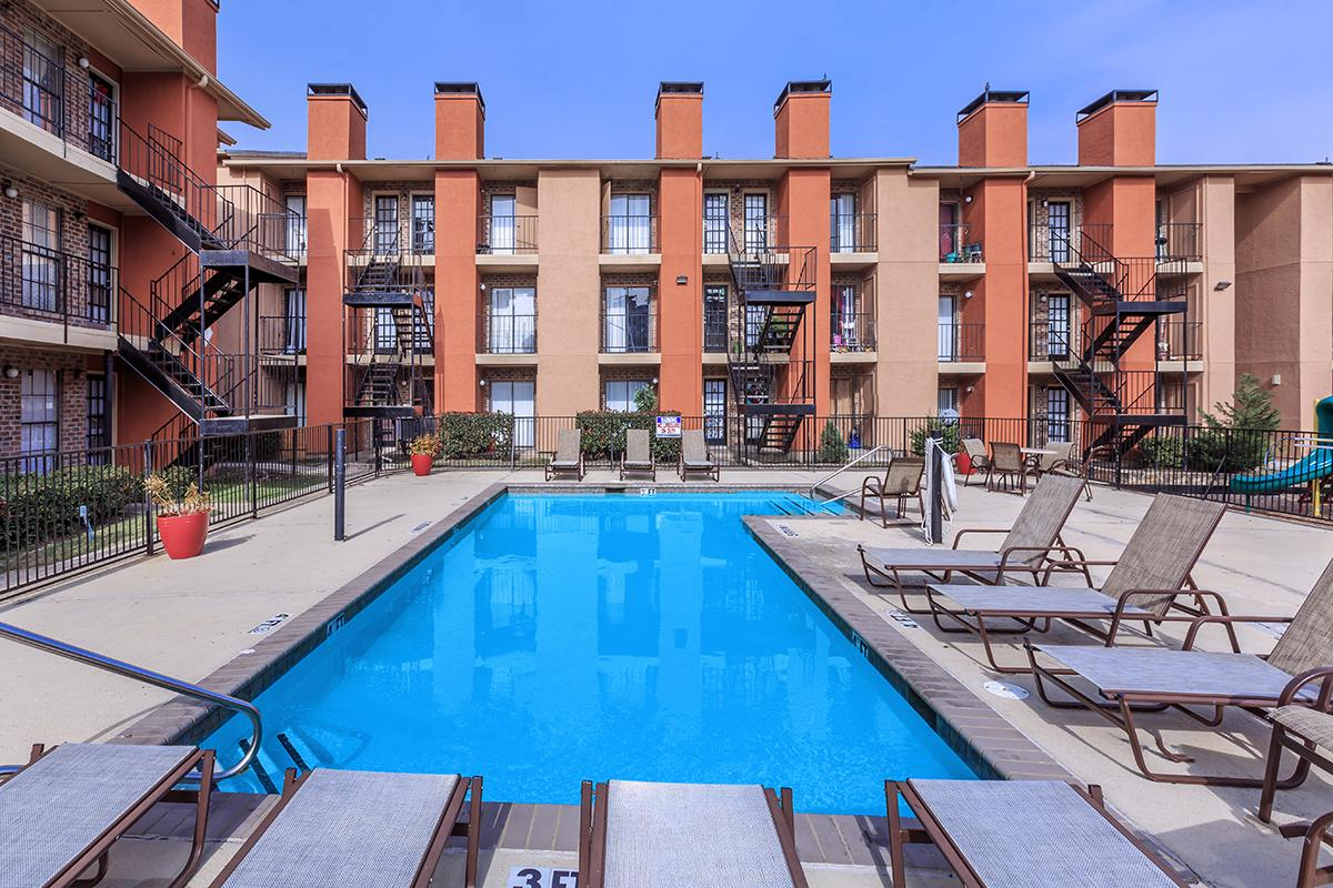 Outdoor Pool Lounge Area at Sedona Ridge Apartments in Dallas, TX