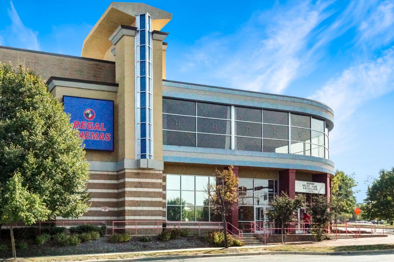 5 minutes to Regal Cinemas in Germantown, MD