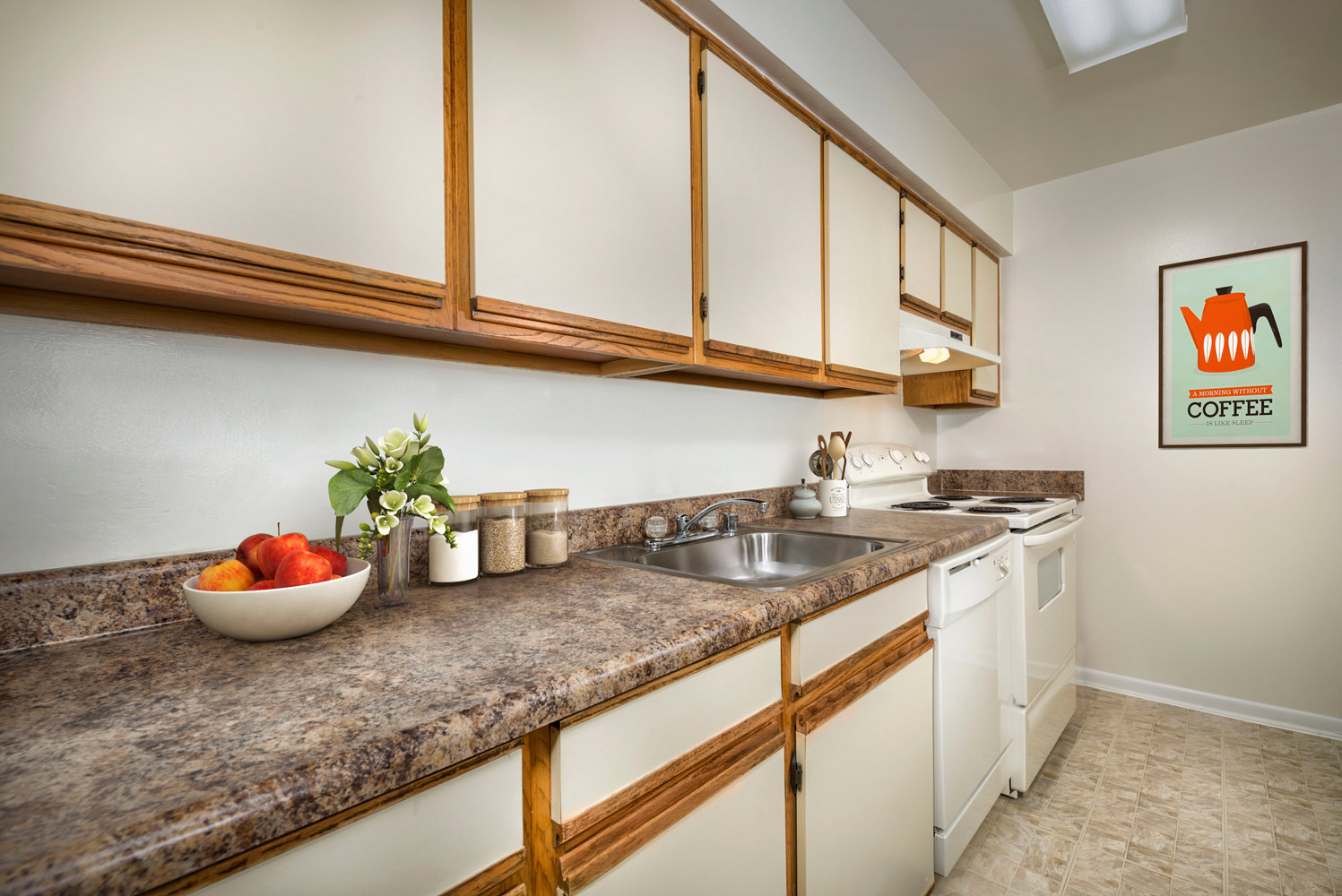 Fully-equipped kitchen at Seneca Club Apartments in Germantown, MD
