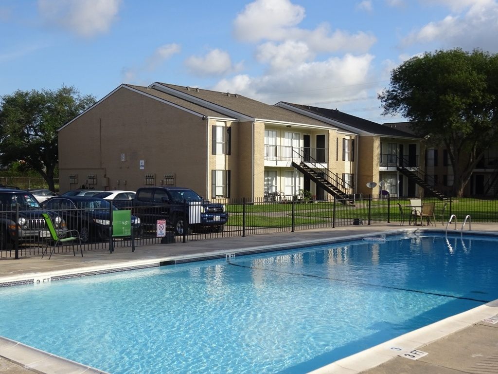 Refreshing Pool at Sienna Villas Apartment Homes in Freeport, TX