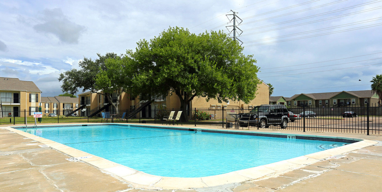 Gated Pool Area at Sienna Villas Apartment Homes in Freeport, TX