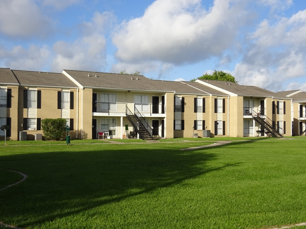 Three Bedroom Apartments at Sienna Villas Apartment Homes in Freeport, TX