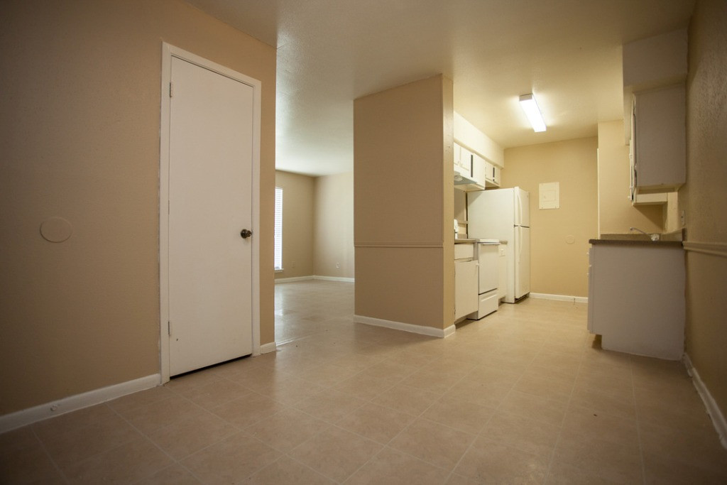 Fully Equipped Kitchen at Sienna Villas Apartment Homes in Freeport, TX