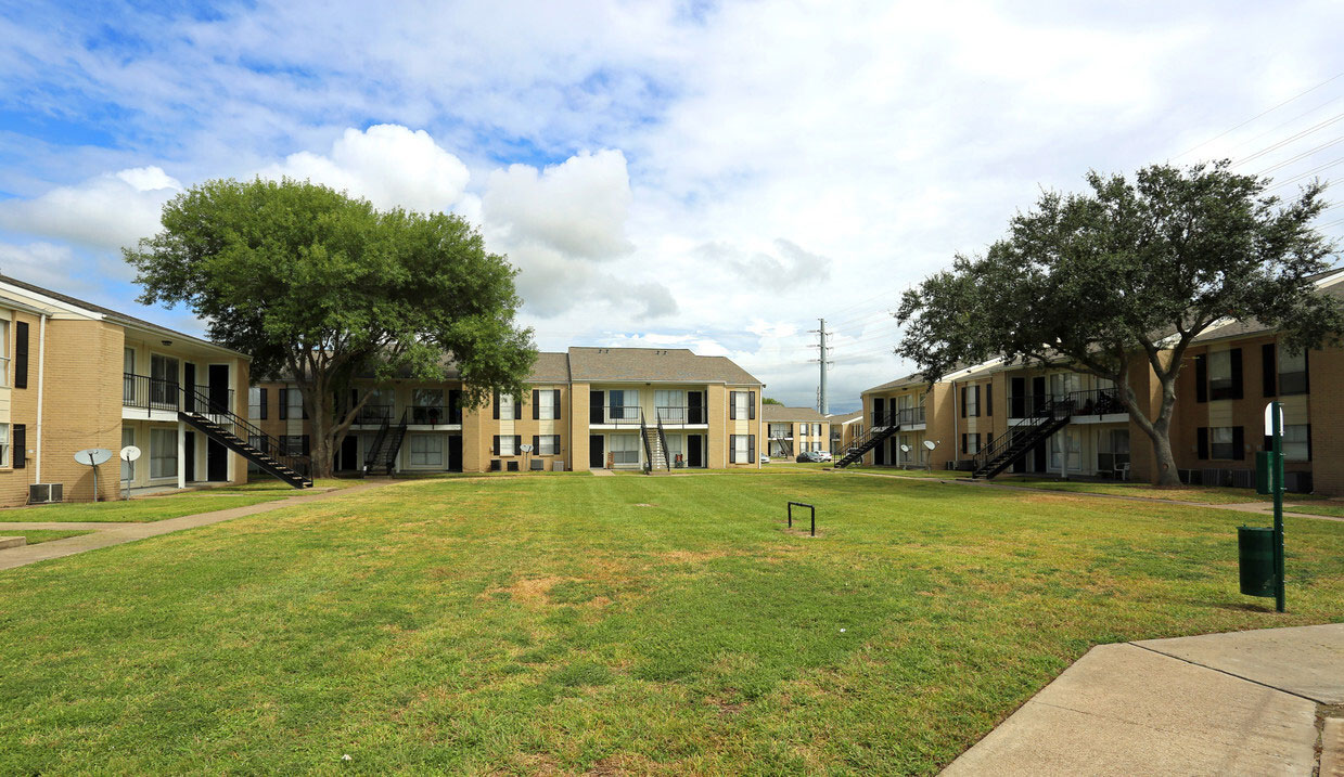 Apartments for Rent at Sienna Villas Apartment Homes in Freeport, TX
