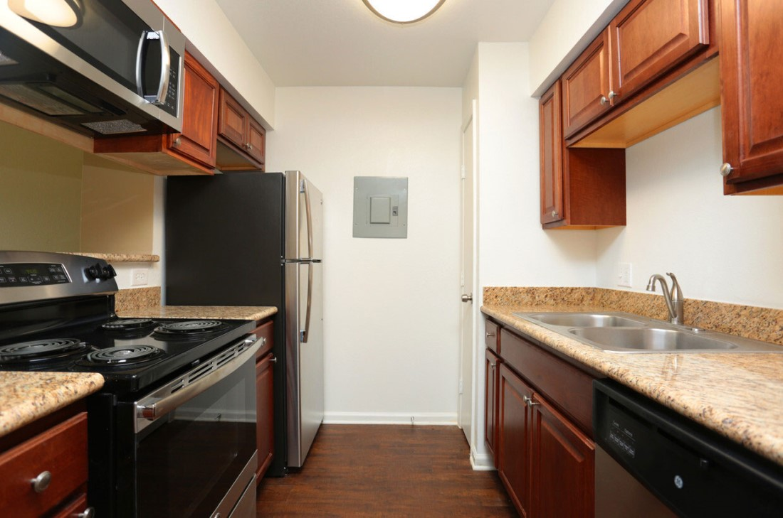 Black Appliances at Sienna Villas Apartment Homes in Freeport, TX