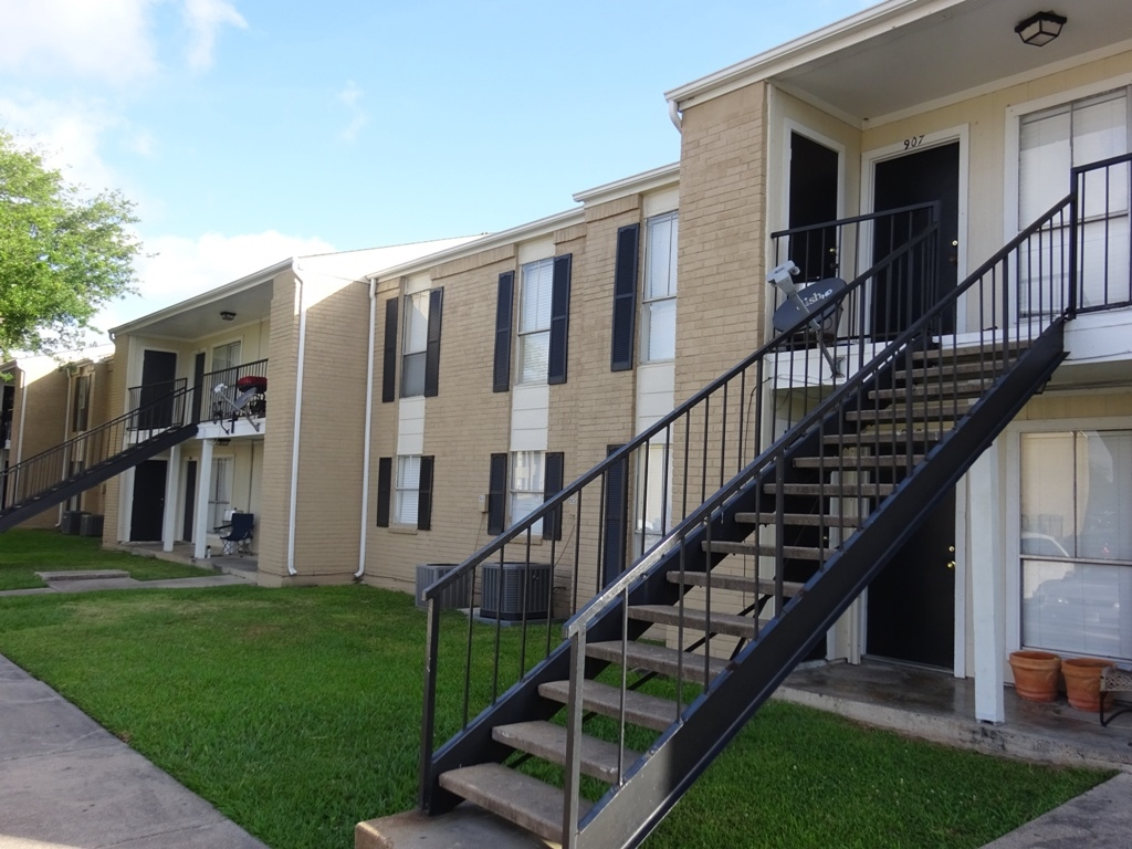 Family-Friendly at Sienna Villas Apartment Homes in Freeport, TX