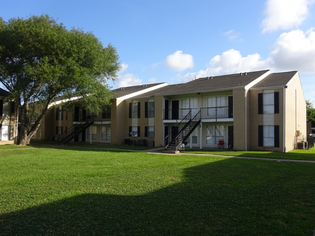 One Bedroom Apartments at Sienna Villas Apartment Homes in Freeport, TX