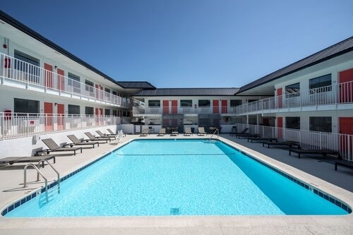 Resort-Style Pool at Sohana Apartments in Nashville, TN