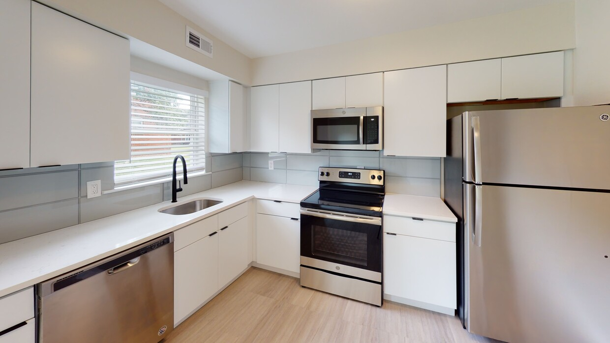 Fully Equipped Kitchen at Somerville Gardens Apartments in Somerville, New Jersey