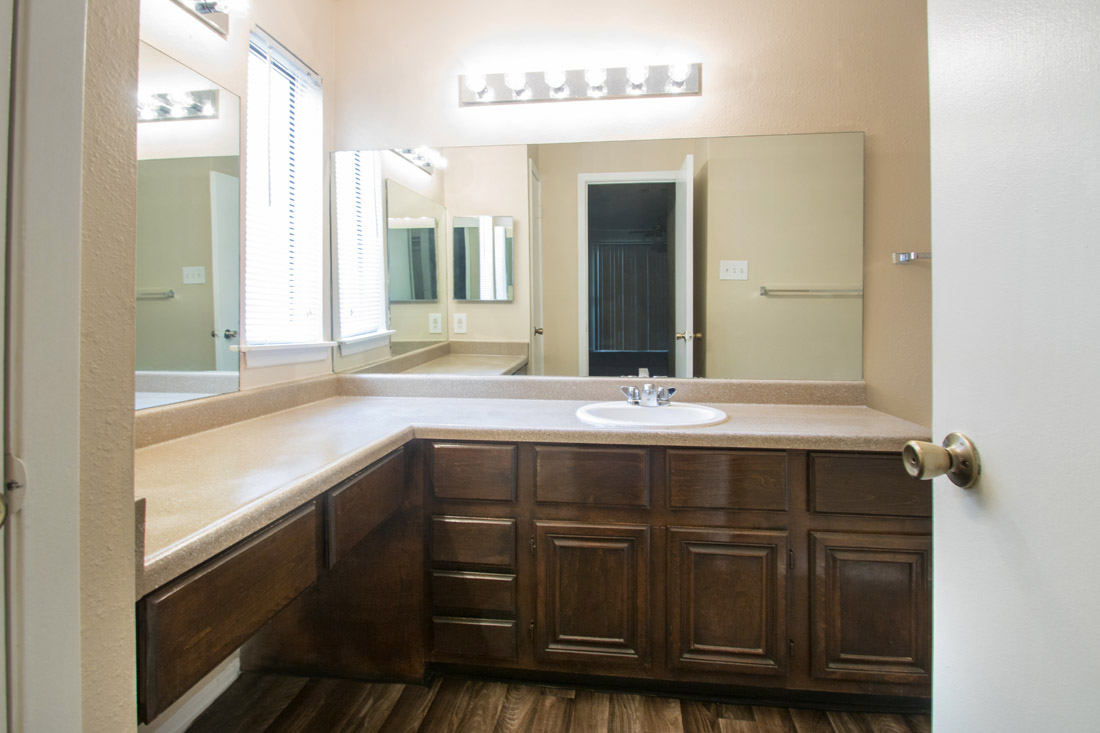 Large Bathroom at Songbird Apartments in San Antonio, Texas