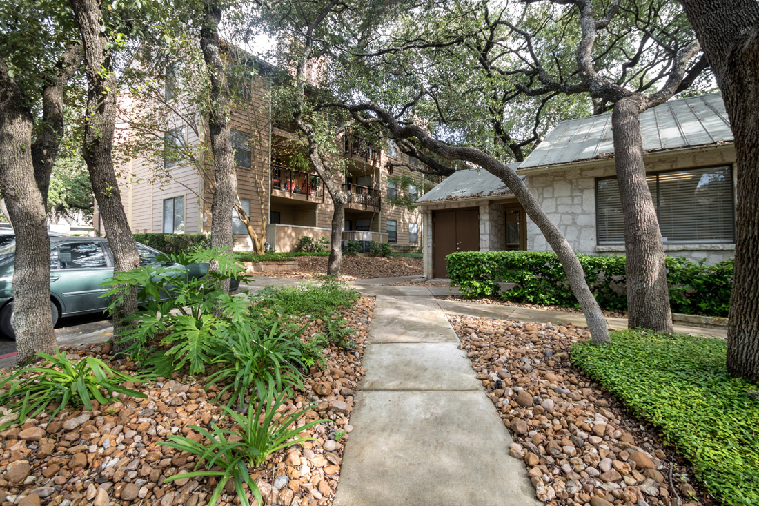 Apartments for Lease at Songbird Apartments in San Antonio, Texas