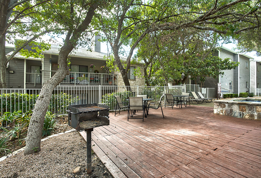 Apartments for Rent with Community Patio at Songbird Apartments in North Central San Antonio, TX.