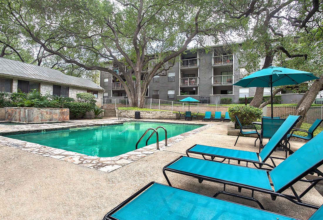 Apartments for Rent with Swimming Pool at Songbird Apartments in North Central San Antonio, TX.