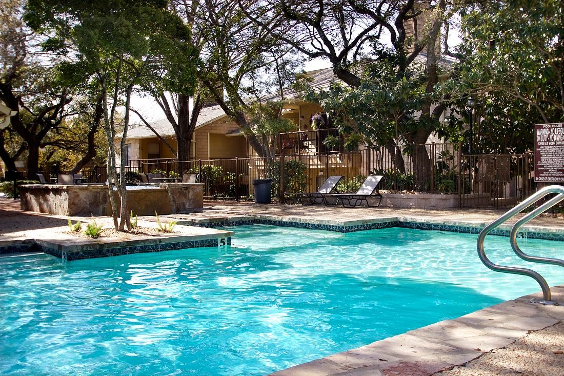 Large Swimming Pool at Songbird Apartments in San Antonio, Texas