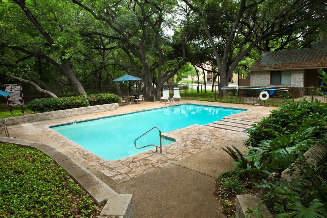 Resort-Style Pool at Songbird Apartments in San Antonio, Texas