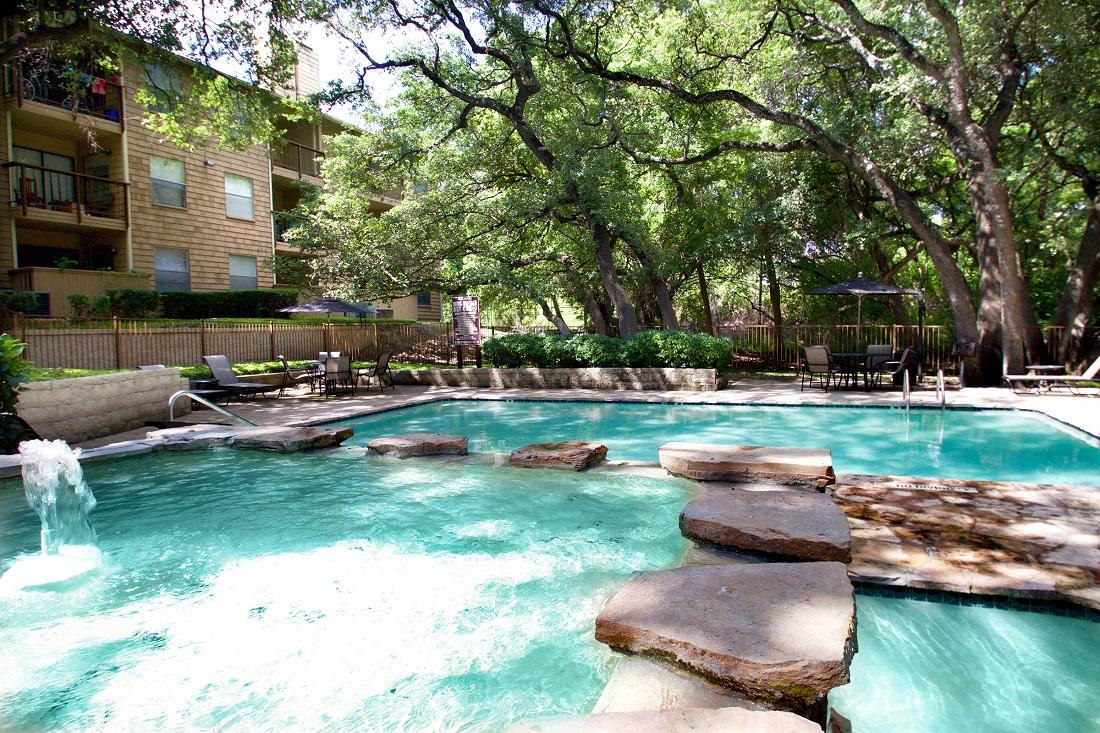 Outdoor Swimming Pool at Songbird Apartments in San Antonio, Texas