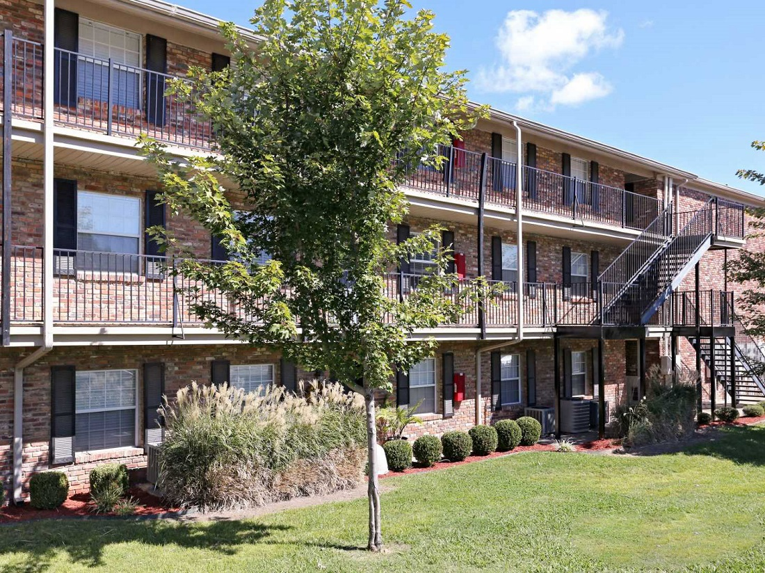 Apartment Living at South Creekside Apartments in Fayetteville, AR