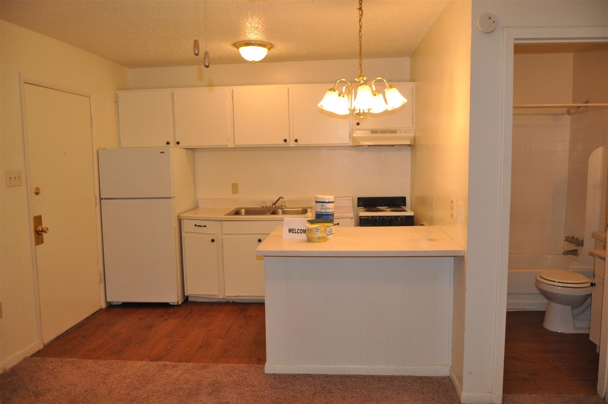 Fully-Equipped Kitchens at Spanish Oaks Apartments in Baton Rouge, Louisiana