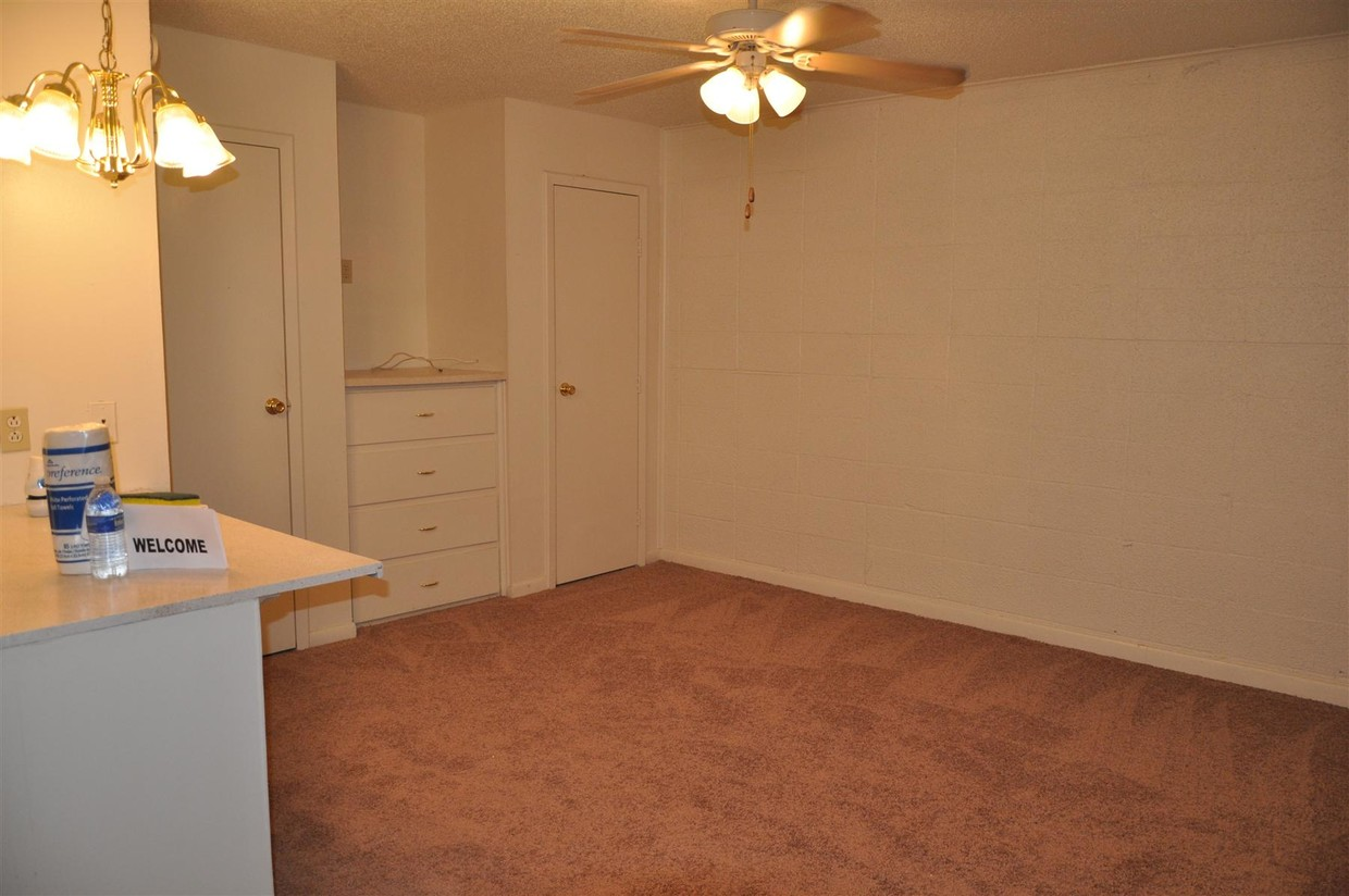 Studios & One and Two-Bedroom Apartments at Spanish Oaks Apartments in Baton Rouge, Louisiana